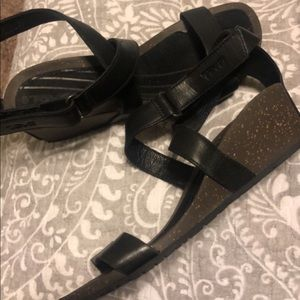 Black wedge tevas , with velcro strap